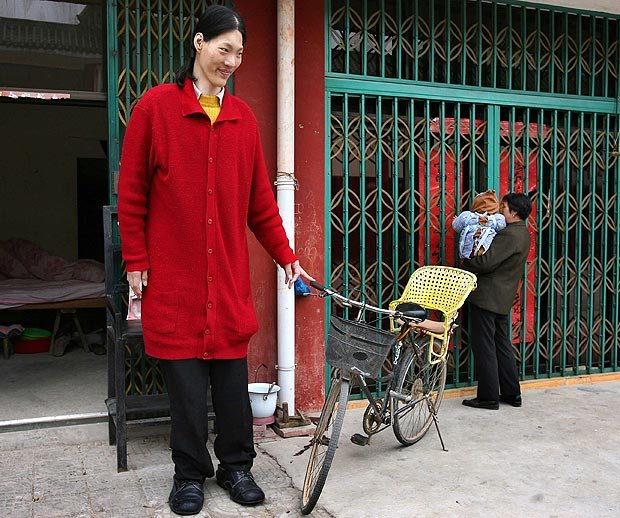 10 Tallest Women Around The World