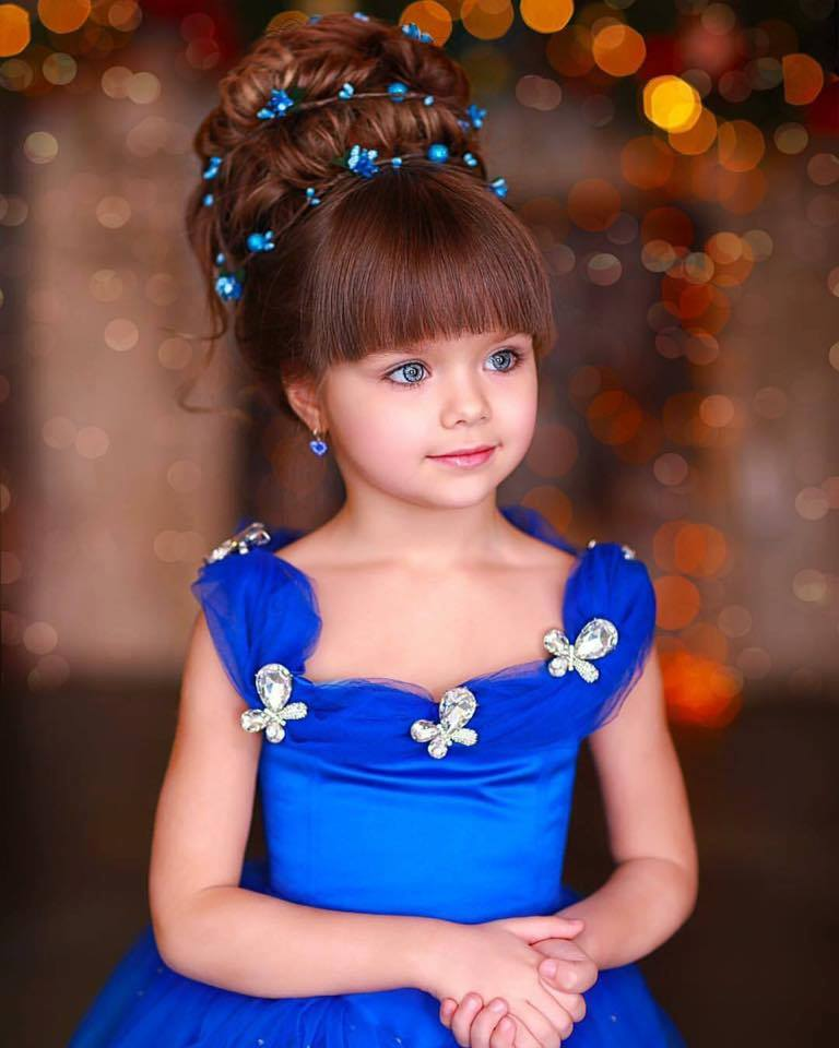 child model commended beautiful girl